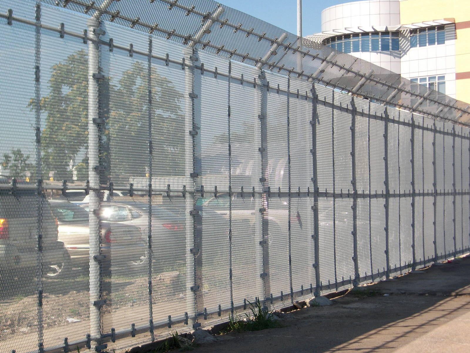Commercial Security Fence Elk Grove CA